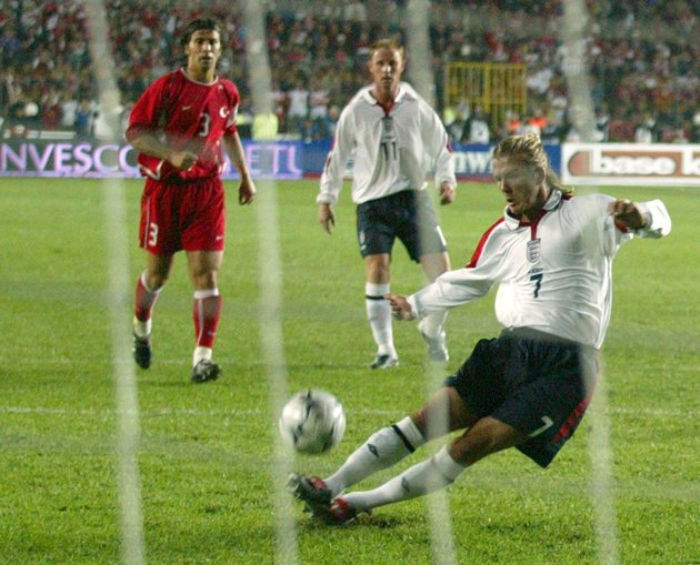 Beckham misses his penalty against Turkey
