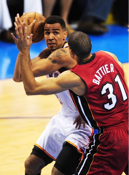 Miami Heat's Shane Battier (R) Puts AFP/Getty Images