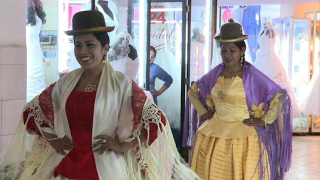 Bolivia opens its first modeling school for 'cholitas'