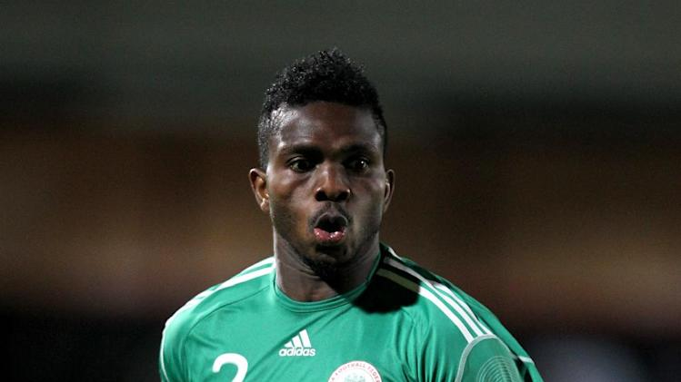Joseph Yobo has completed a move to Fenerbahce