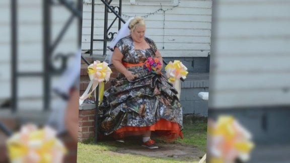 Honey Boo Boo's mom, Mama June Shannon, appears to have gotten married to the TLC star's dad Sugar Bear.