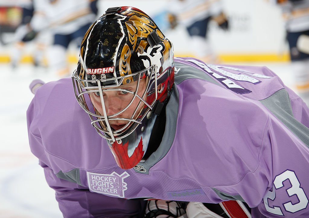 OTTAWA, ON - NOVEMBER 5: Craig Anderson #41 of the Ottawa Senators warms up in a lavender jersey on Hockey Fights Cancer night prior to a game against the Buffalo Sabres at Canadian Tire Centre on November 5, 2016 in Ottawa, Ontario, Canada. (Photo by Andre Ringuette/NHLI via Getty Images)