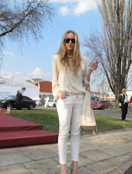 tylish girls know that white jeans are one if Spring's best sartorial investments