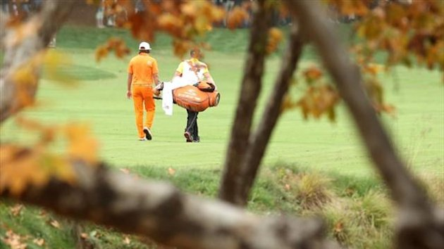 Rickie Fowler walks down the fairway on the second hole during the final round of the 2012 Tiger Woods World Challenge Presented by Northwestern Mutual at Sherwood Country Club (AFP)