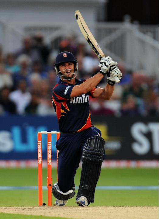 Cricket - Friends Life T20 - Quarter Final - Nottinghamshire Outlaws v Essex Eagles - Trent Bridge