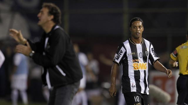South American Football - Ronaldinho hauled off as Olimpia shine in final