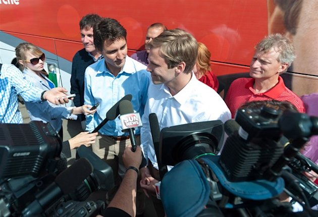 Federal Liberal Leader Justin Trudeau, centre left, and N.B. Liberal Leader Brian Gallant (Canadian Press)
