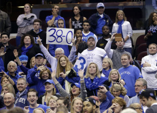 Will 40-0 signs be hoisted at Lucas Oil Stadium on Monday night? (AP)
