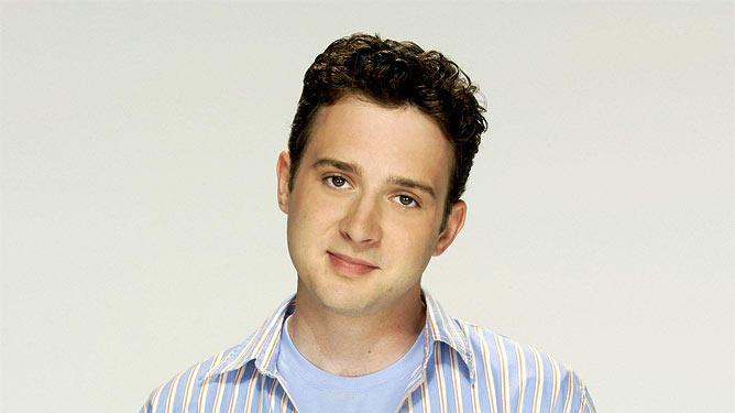 Eddie Kaye Thomas stars in 'Til Death on Fox.