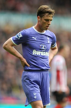 Tottenham midfielder Scott Parker faces a spell on the sidelines