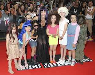Katy Perry Slammed For Dressing Fan In Cupcake At MuchMusic Video Awards