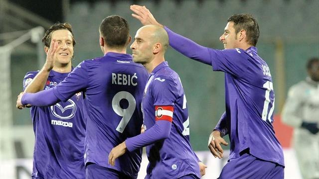 Serie A - Fiorentina beat Siena to make Coppa semis