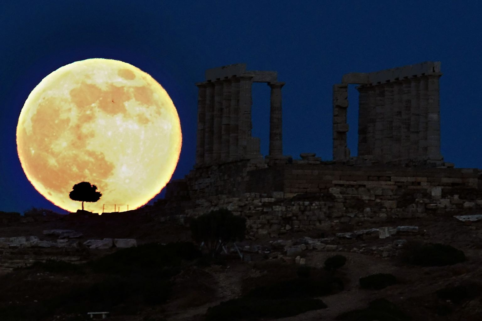 Synchronicity Supermoon-next-greek-temple-20140808-175003-499
