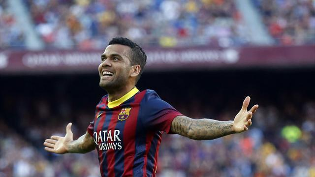 Liga - Alves treated for ankle injury