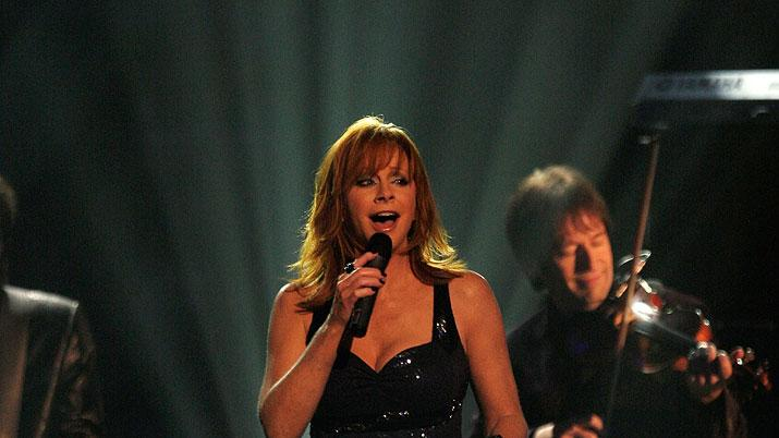 Reba McEntire performs onstage at the 43rd Annual CMA Awards at the Sommet Center on November 11, 2009 in Nashville, Tennessee.
