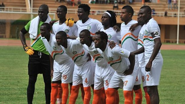 Niger's national team pose before their 2014 World Cup qualifying Group E match against Gabon (AFP)