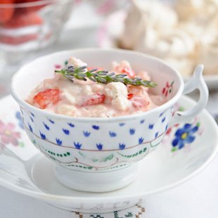 Strawberry Eaton Mess: Recipes
