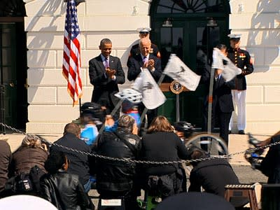 Obama Greets Wounded Warriors