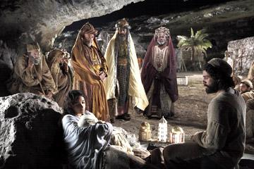 Ted Rusoff stars as the Old Shepherd, Keisha Castle-Hughes as Mary, Nadim Sawalha as Melchior, Stefan Kalipha as Gaspar, Eriq Ebouaney as Balthasar and Oscar Isaac as Joseph in New Line Cinema's The Nativity Story