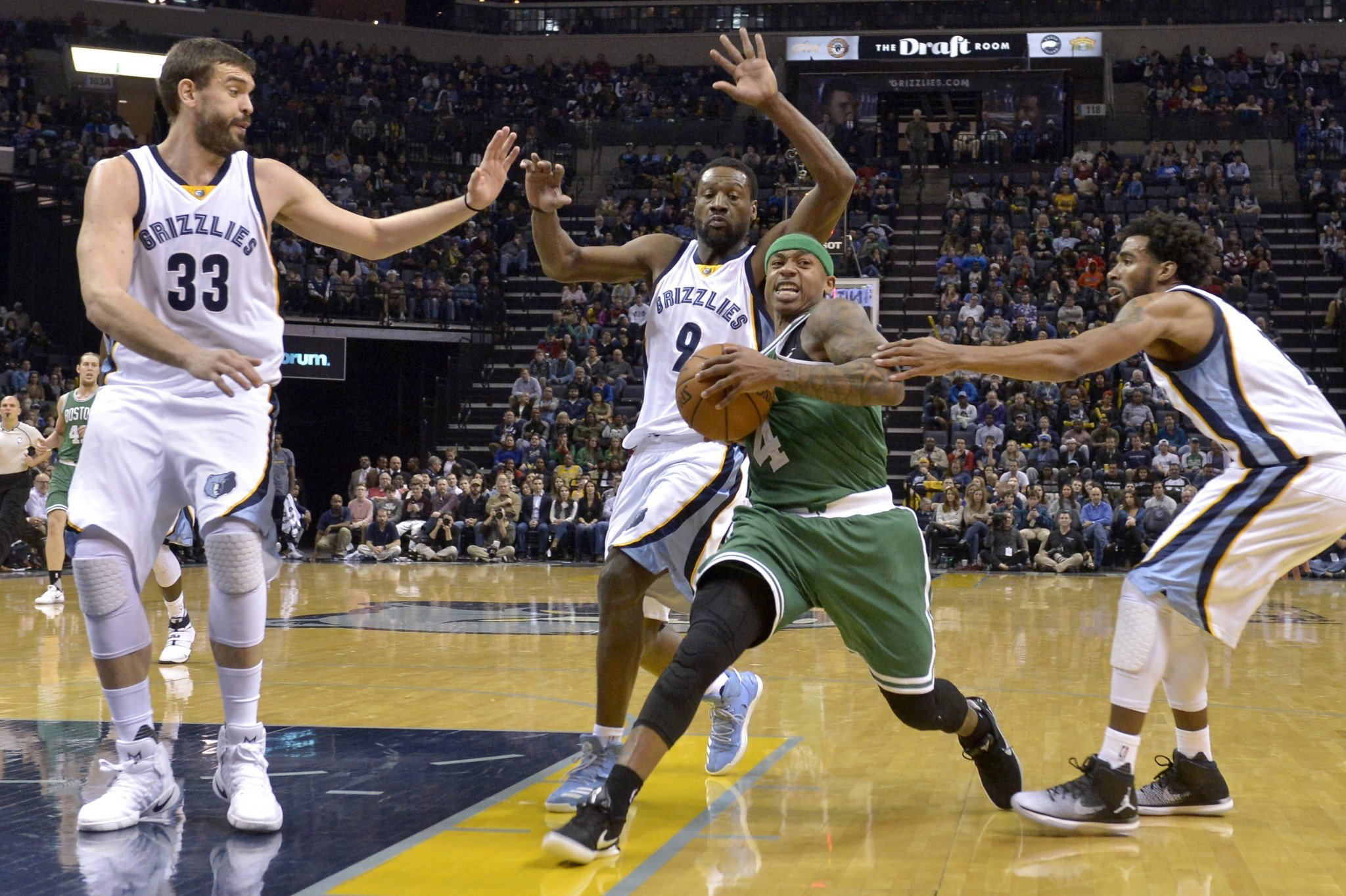 No matter how many Grizzlies tried, they couldn't stop Isaiah Thomas on Tuesday. (AP)