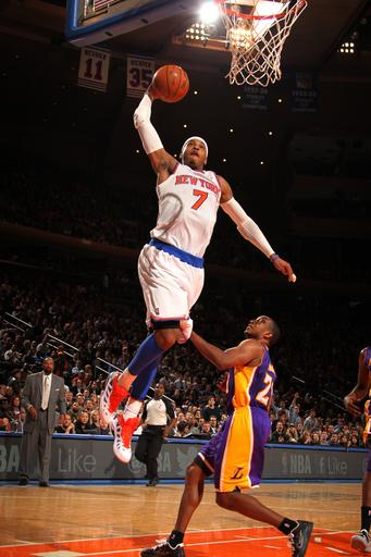 Anthony scores 30, Knicks beat slumping Lakers