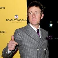 The England rugby team heard an 'inspirational' speech from Bradley Wiggins on Tuesday night