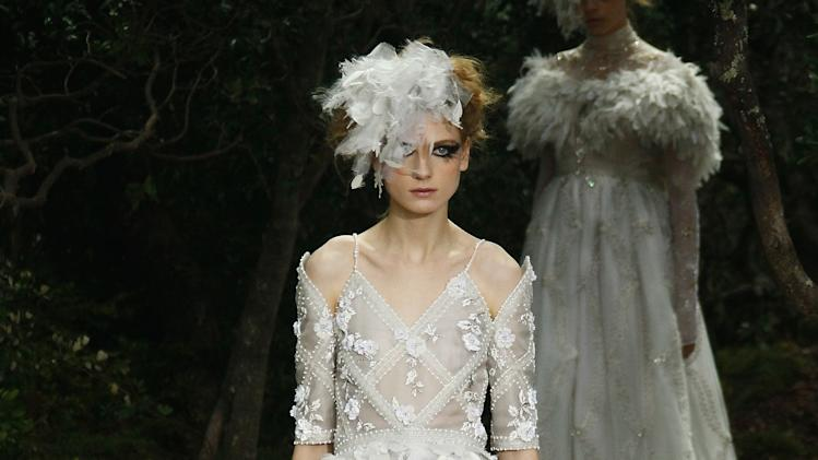 Chanel: Runway - Paris Fashion Week Haute-Couture Spring/Summer 2013