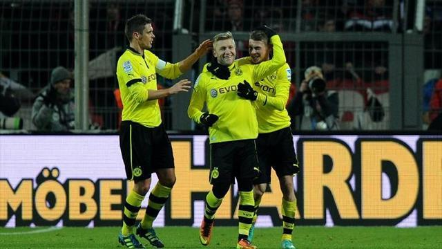 Bundesliga - Dortmund ease past Nuremberg to go second