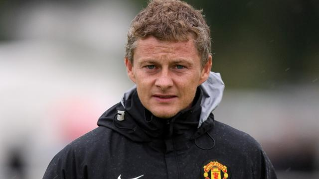 Premier League - Solskjaer dismisses suggestions Ferguson warned him off the job