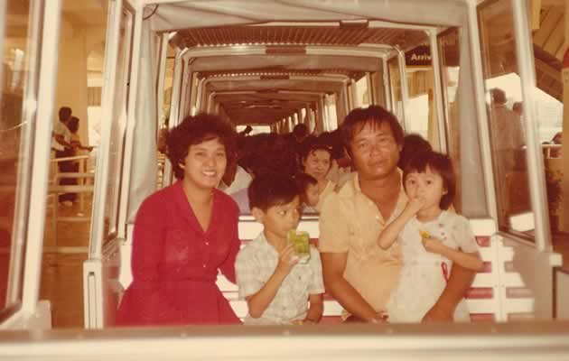 Chew (second from L) with his parents and younger sister when he was young (Photo courtesy of Dennis Chew)