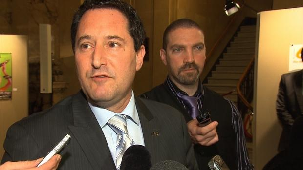 Applebaum quit Union Montréal today, and said he will consider running for interim mayor as an independent.
