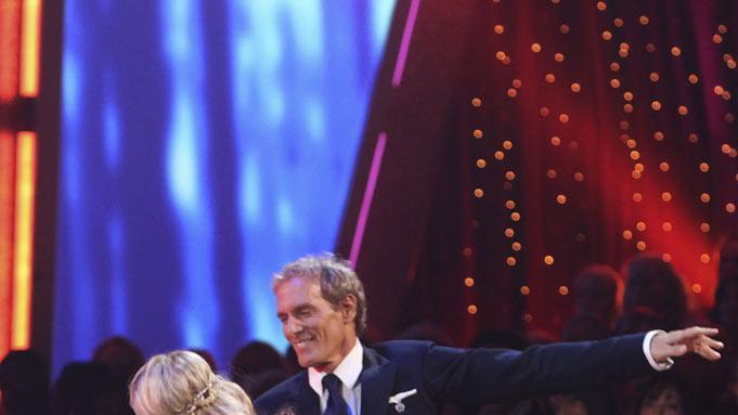 "Michael Bolton and Chelsie Hightower perform on ""Dancing with the Stars."""