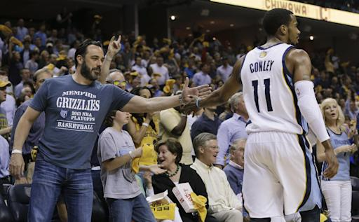 Grizzlies blow big lead, beat Thunder 98-95 in OT