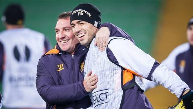 Premier League - Rodgers talks up Suarez as Wenger remains coy on link