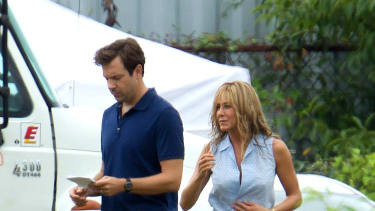 Jennifer Aniston Spotted on Set