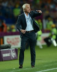 Dutch headcoach Bert van Marwijk gestures during the Euro 2012 football championships match Portugal vs. Netherlands, on June 17, 2012 at the Metalist stadium in Kharkiv. Portugal won 2 to 1. AFP PHOTO / FRANCISCO LEONG
