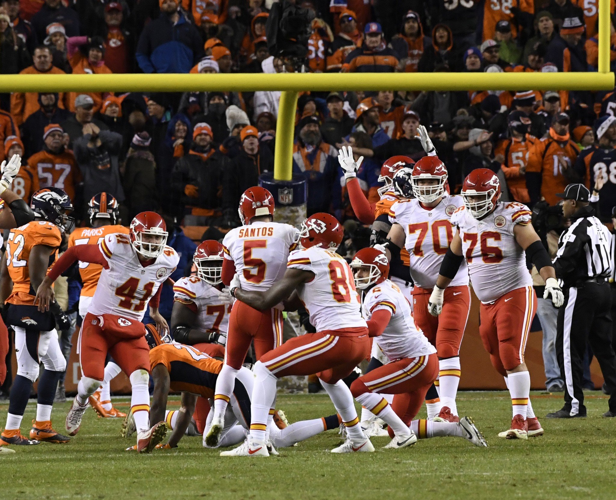 Bank's open: Cairo Santos' game-winning field goal hit off the upright. (Getty Images)
