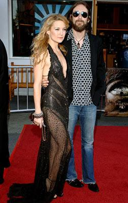 Kate Hudson and Chris Robinson (II) at the Universal City premiere of Universal Pictures' The Skeleton Key