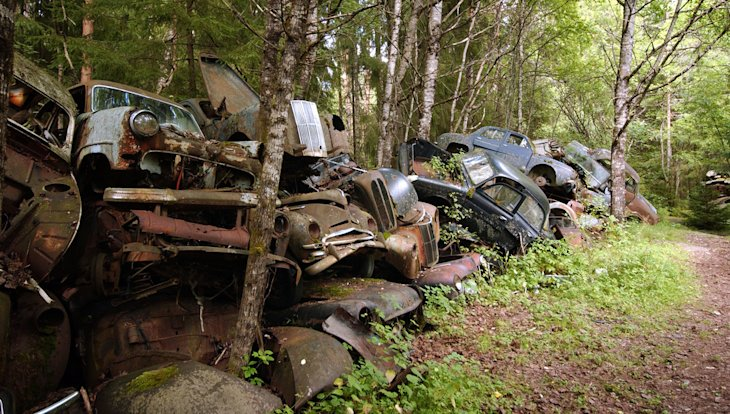Explore The Ghostly Swedish Junkyard Of 1 000 Cars