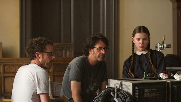 Director Joel Coen Ethan Coen Hailee Steinfeld True Grit Production Stills Paramount 2010