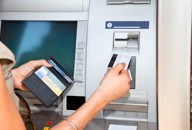 Fraudsters are shoulder-surfing when bank customers use a cash-point