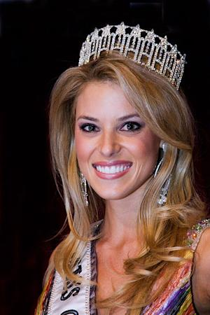 The former Miss USA made a hasty exit from Larry King's show.