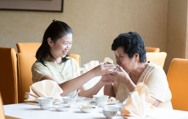 Parkinson patients may have swallowing difficulties (Thinkstock photo)