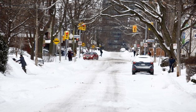 It may not look quite like this 2013 snow storm in Toronto, but it's best to be prepared. (Reuters)