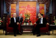 U.S. Vice President Joe Biden (L) chats with Chinese Premier Li Keqiang during their meeting at the Zhongnanhai diplomatic compound in Beijing December 5, 2013. REUTERS/AP Photo/Andy Wong/Pool
