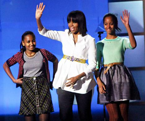 Michelle Obama, Sasha and Malia Vacation in the Bahamas for Spring Break