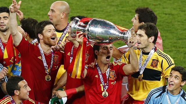 Euro 2020 - 32 countries bid to stage matches