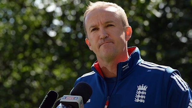 Andy Flower wants to remain as England coach beyond the current Ashes series