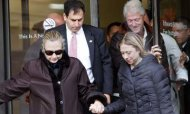 Clinton 'Active' During Blood Clot Recovery