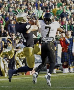 No. 3 Notre Dame stays perfect, beats Wake 38-0